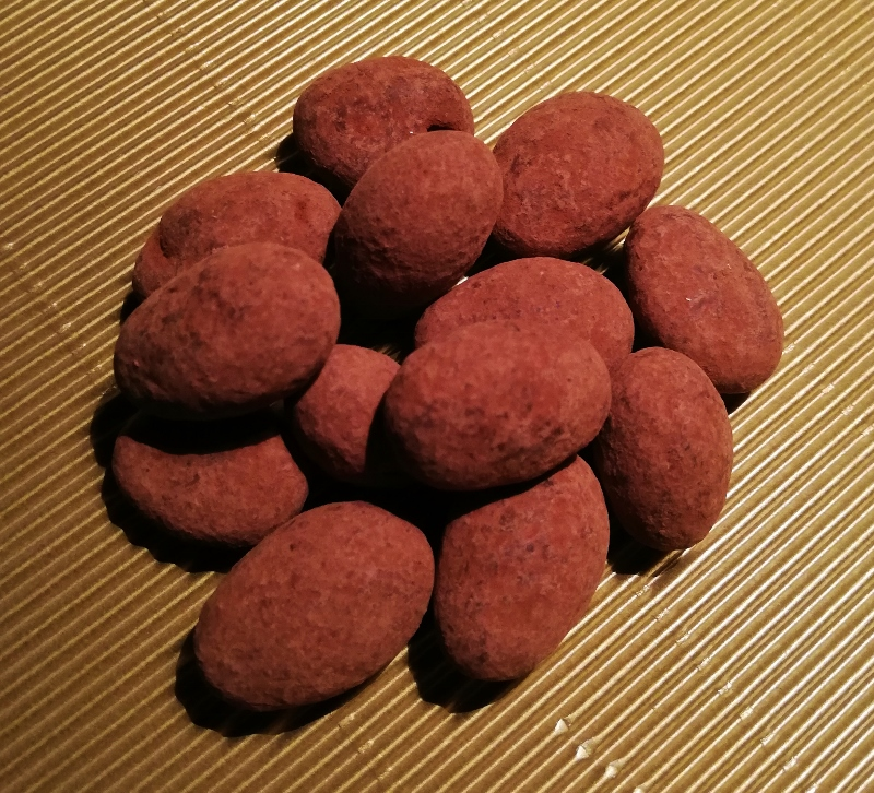 Trüffelmandeln umhüllt mit Vollmilchschokolade