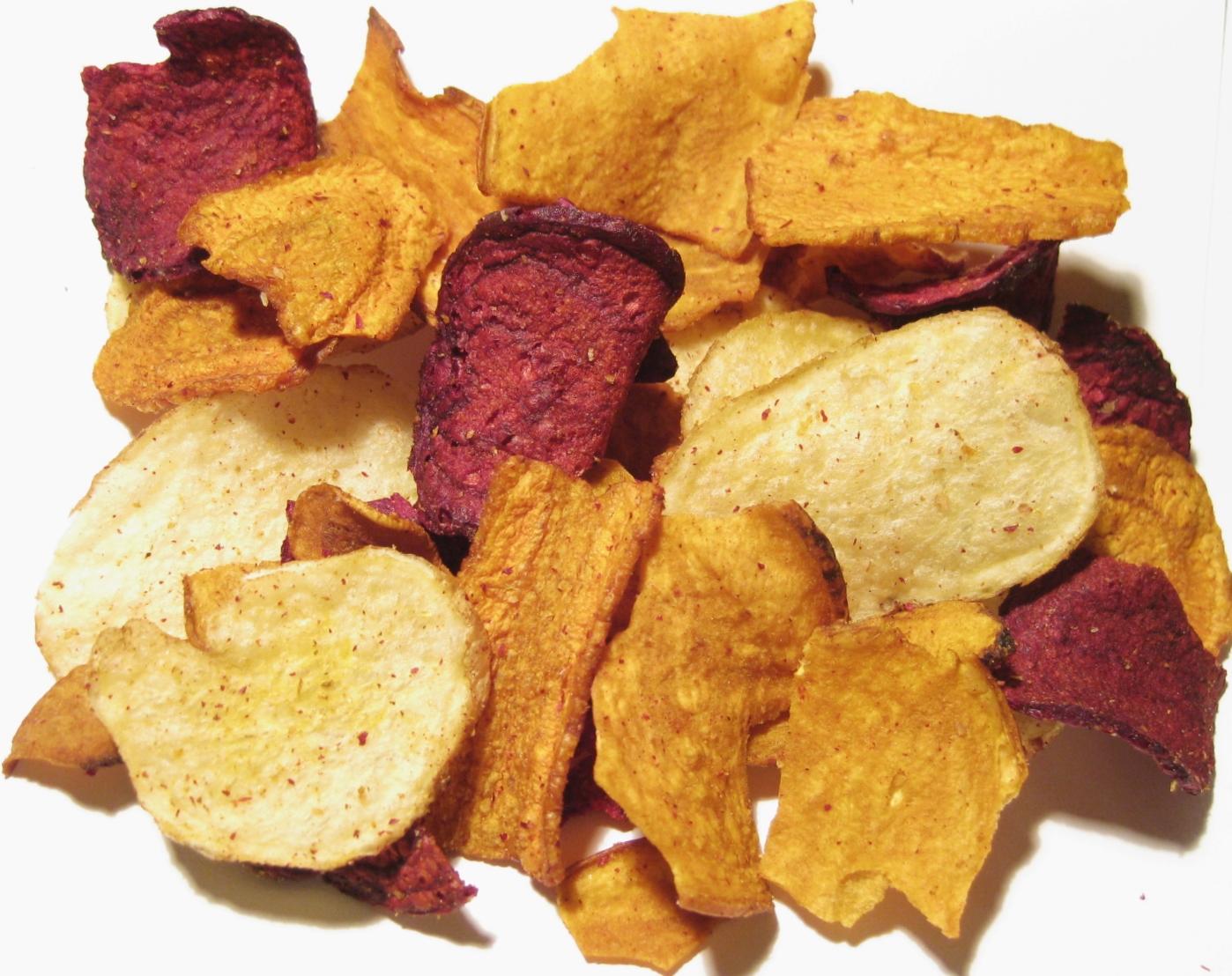 Gemüse Chips leicht gesalzen